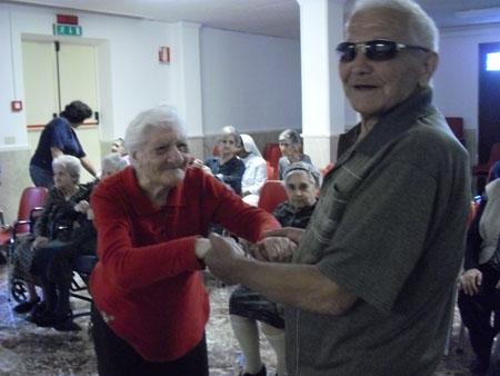 Savocanews pomeriggio ricreativo per gli anziani della for Piccoli piani di casa per gli anziani
